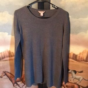 Women's crew sweater. Size Large.
